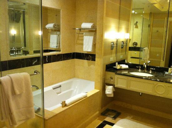The Palazzo Resort Hotel Casino: Baño