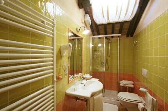 Albergo Rifugio da Giulia : bathroom