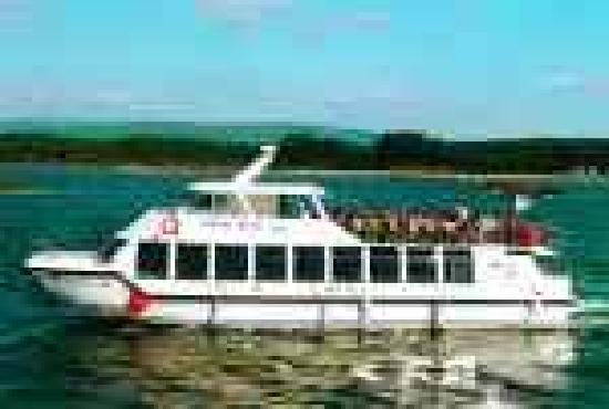 Cruceros Rias Baixas: Catamarán Visión II