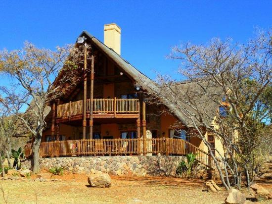 Kololo Game Reserve: Family chalet