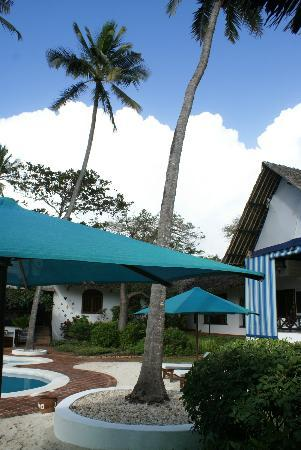 Diani Blue: courtyard