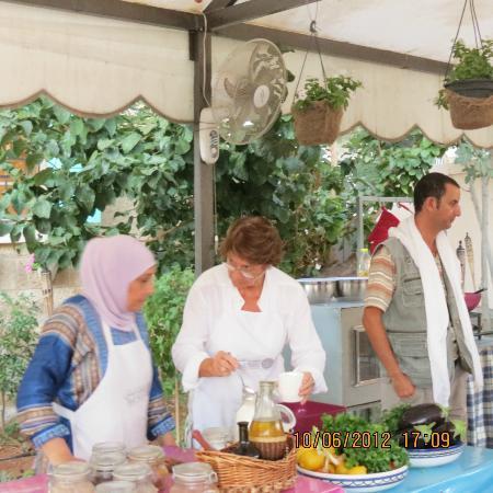 Beit Sitti: cours de cuisine, nous apprenons à faire le pain