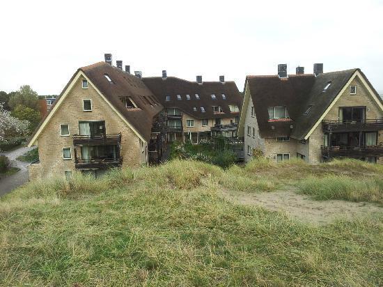 Vlierijck: Het hotel grenst aan de achterkant aan duingras