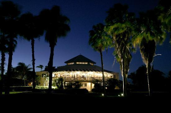 The Regent Grand: Provo Golf Club at Night