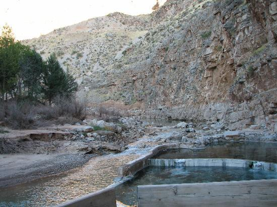 Pah Tempe Hot Springs: nestled in the mountain