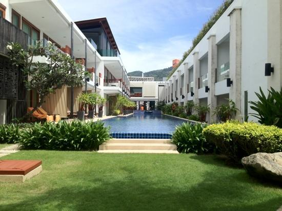 La Flora Resort Patong: when lying on the sun loungers by the pool