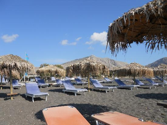 Holiday Beach Resort: Perissa Beach