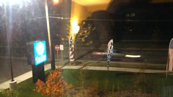 Comfort Inn & Suites Lexington Park: 40 yards to highway