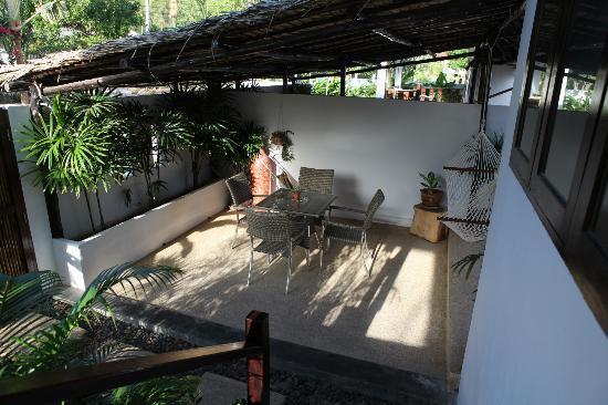 Chalisa Villas: salon exterieur