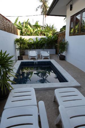 Chalisa Villas : piscine