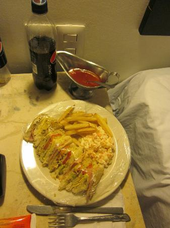 Tulija Express: Club Sandwich from the Hotel Restaurant