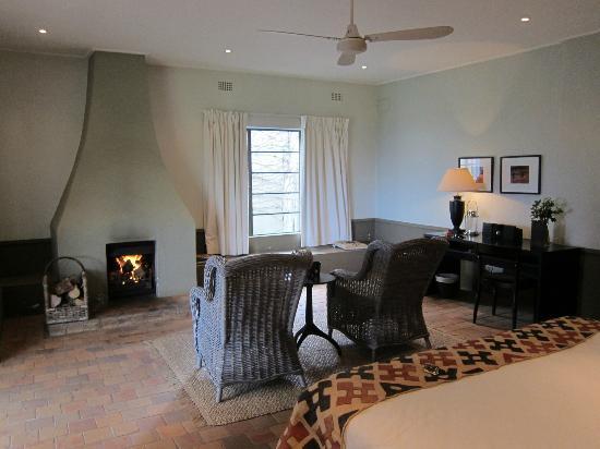 Kings Walden Garden Manor: Room 1 2nd view 