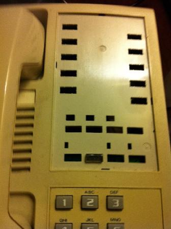 Holiday Inn Buffalo International Airport: The Phone with missing buttons