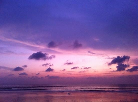 Casa Mia BnB Bali Seminyak: amazing sunset @ ku de ta beachclub / 5 minutes by car from casa mia