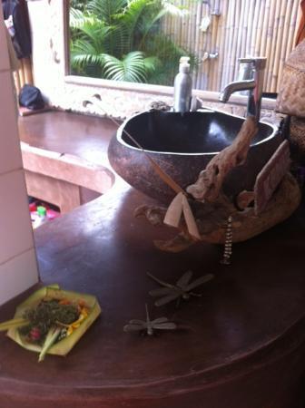 Casa Mia BnB Bali Seminyak: beautiful decorated bathroom