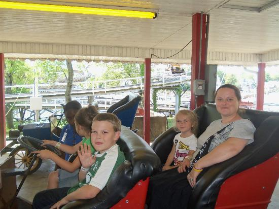 Indiana Beach Amusement Resort: Old time cars
