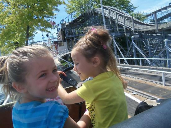 Indiana Beach Boardwalk Resort: Old time cars