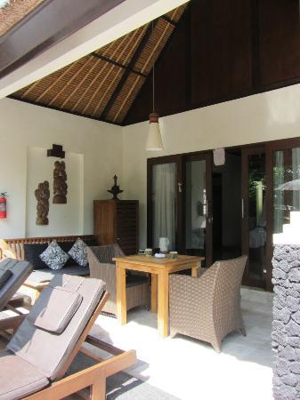 KajaNe Mua Private Villa & Mansion: The outdoor living/dinning area