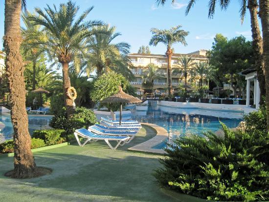 Prinsotel La Dorada: Pool area