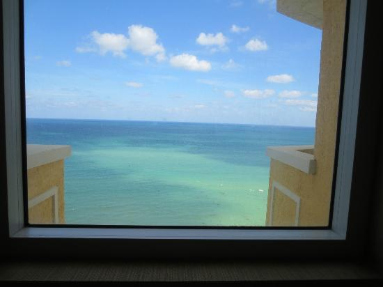 Acqualina Resort & Spa on the Beach: View from the bathroom