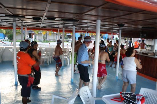 Dancer Cruise: Dancing on the way Back