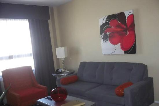 Wyndham Canterbury at San Francisco: The living/sitting area.