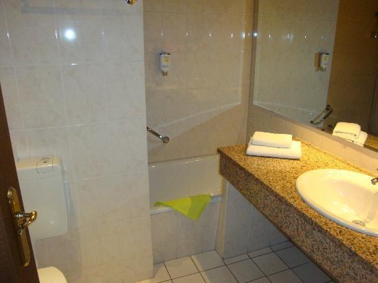 Bathroom at Contel Koblenz