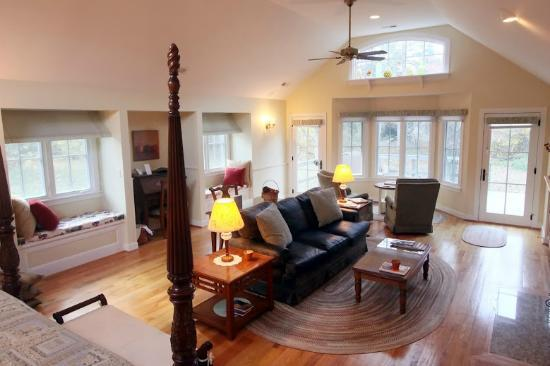 The Inn at Sugar Hollow Farm: Shenandoah Suite