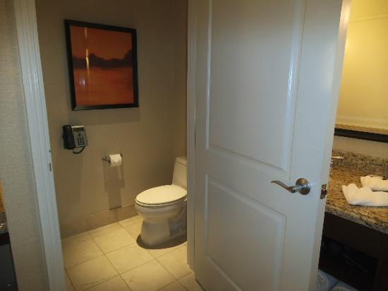 Thunder Valley Casino Resort: Toilet room