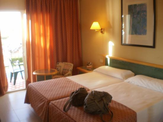 Sol Beach House Menorca : notre chambre