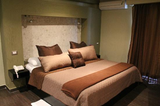 The Panams: Comfortable king size bed