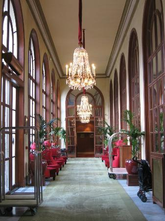 Hotel Barriere Le Royal Deauville: Lobby