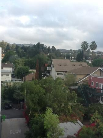 BEST WESTERN PLUS Hollywood Hills Hotel: view from room 415