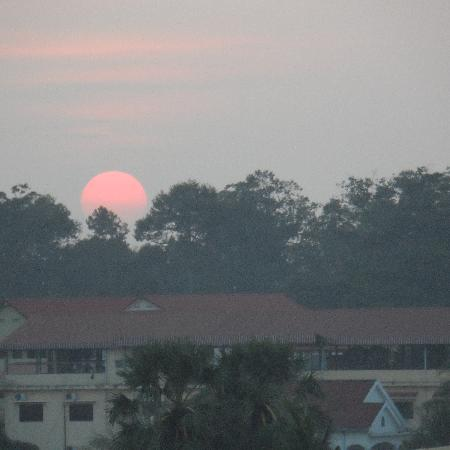 Borei Angkor Resort & Spa: Sunset from the hotel