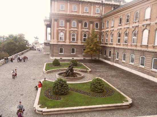 Budaslottet (Kiralyi Palota): Buda Castle