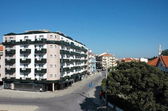 Hotel Santo Amaro na Rua Francisco Marto