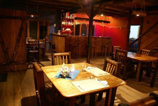 Cabanas Las Pigualas: Dining area