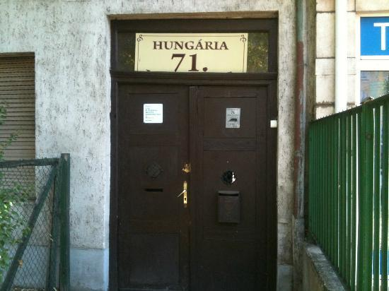 Hungaria Guesthouse: Front