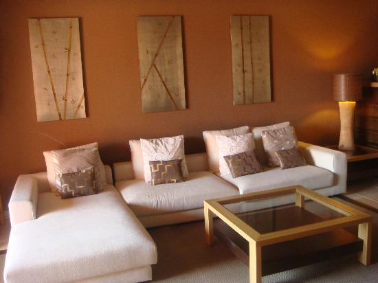 The Ritz-Carlton, Abama: Lounge Area in suite
