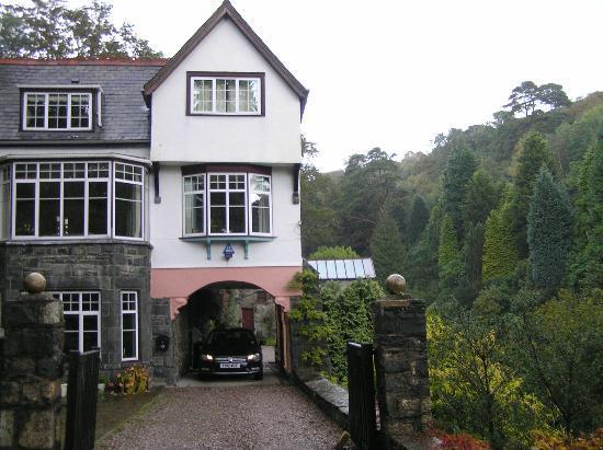Glandwr Mill : Entrance way