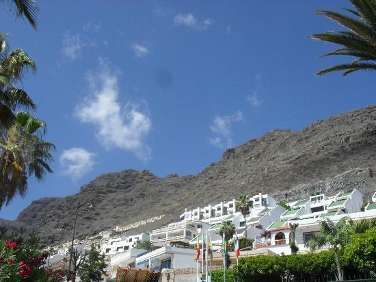Ska Diamond Apartaments : hills near appartment