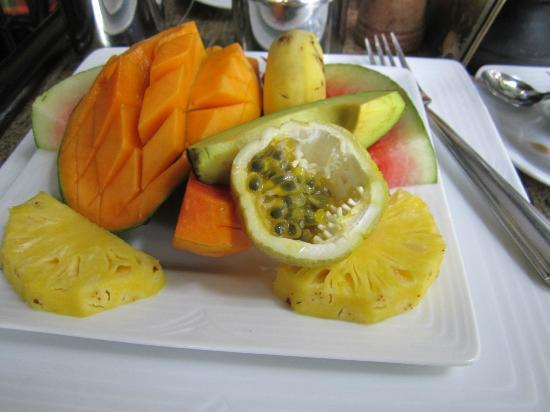 Flower Garden Hotel: Начало завтрака