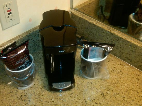 Suncoast Hotel and Casino: Coffeemaker ~ Room 553
