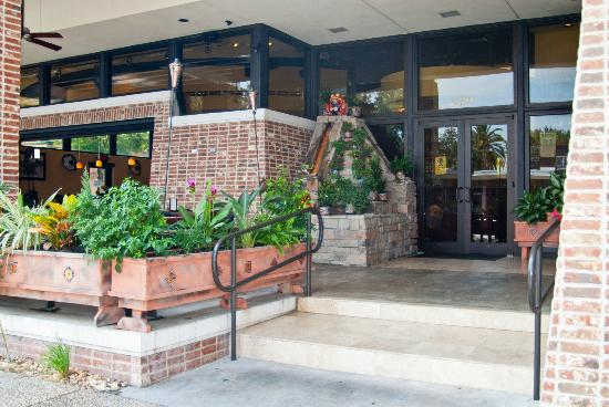 Pepper's Mexican Grill and Cantina: entrance