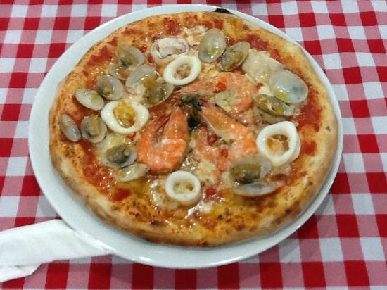 La Regina Della Pizza: pizza ai frutti di mare