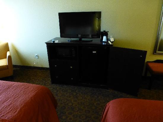 La Quinta Inn & Suites Vicksburg: Microwave and mini fridge