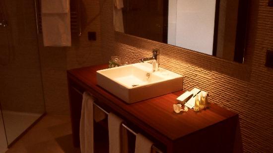 Protur Turo Pins Hotel & Spa: Waschbecken Junior Suite