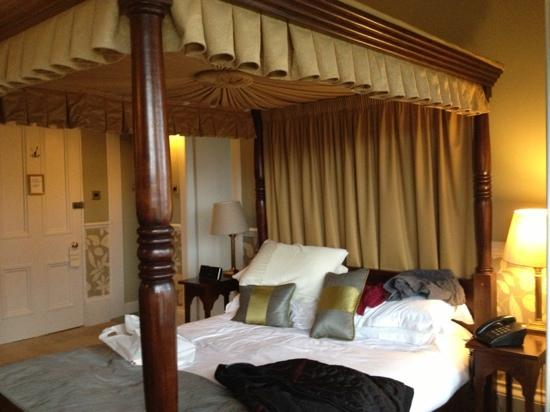 Knockderry House Hotel: four poster room 2