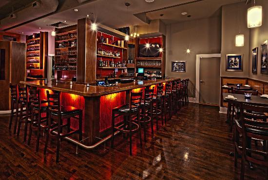 Hotel Metro: Blu Duby Restaurant & Bar