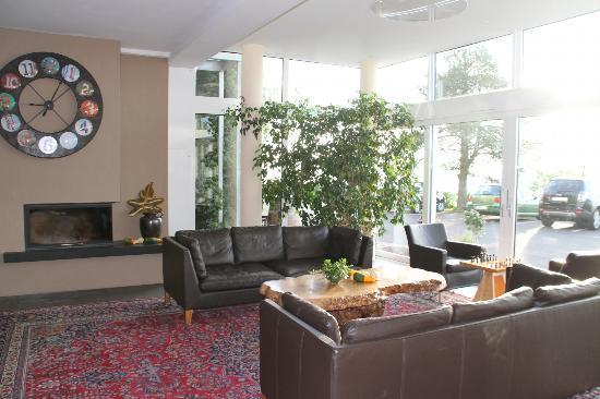 Landhotel Klingerhof: Lobby Seating